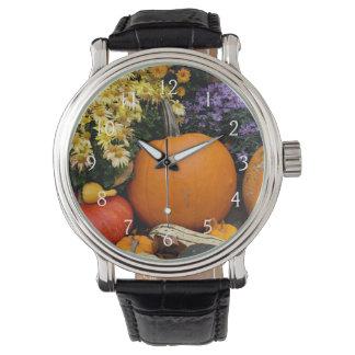 Exhibición decorativa de la calabaza de la caída reloj