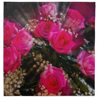 Explosión rosada del ramo de los rosas servilleta de tela
