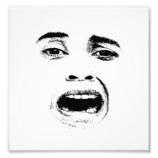 Expresión asustada de la mujer foto