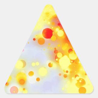 Extracto anaranjado rojo amarillo intrépido y pegatina triangular