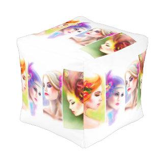 Extracto cubicado de la mujer del taburete pouf