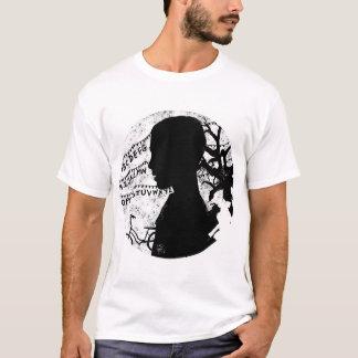 Extranjero blanco y negro camiseta