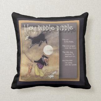 Ey Diddle Diddle la poesía infantil Cojín Decorativo