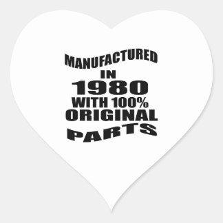 Fabricado en 1980 con las piezas de la original pegatina en forma de corazón