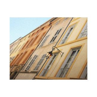 Fachadas enyesadas en los colores tradicionales de lona envuelta para galerias