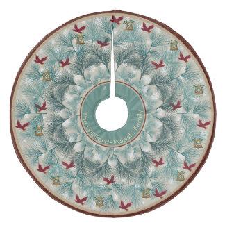 Falda Para El Árbol De Navidad De Forro Coralino Pájaros rojos y pino Wispy personalizados