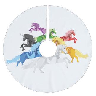 Falda Para El Árbol De Navidad De Poliéster Unicornios salvajes coloridos del ejemplo