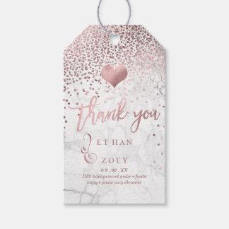 Falso corazón color de rosa/mármol del oro de etiquetas para regalos