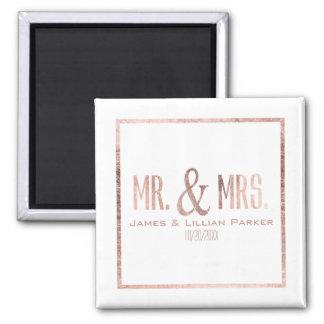 Falso Sr. color de rosa y señora Monogram Wedding Imán Cuadrado