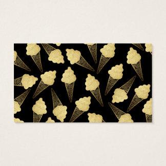 Falsos conos de helado de la hoja de oro en negro tarjeta de negocios