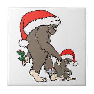 Familia de Bigfoot del navidad Azulejo