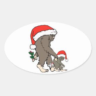 Familia de Bigfoot del navidad Pegatina Ovalada
