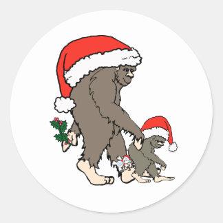 Familia de Bigfoot del navidad Pegatina Redonda