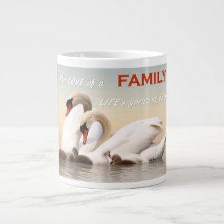 Familia del cisne taza de café grande