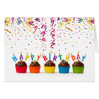 Fanfarria del cumpleaños y tarjeta de cumpleaños
