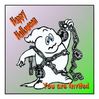 Fantasma con la invitación de Halloween de las