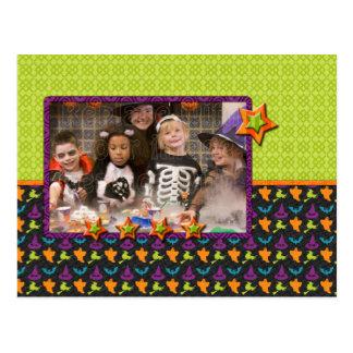 Fantasmas, whiches y palos coloridos - desi de postal