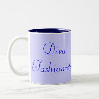 Fashionista de la diva en el azul I Taza Dos Tonos