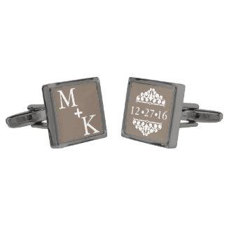 Fecha de encargo del boda del monograma gemelos metalizados