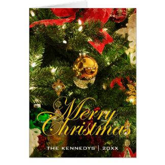 Felices decoraciones del árbol de navidad tarjeta de felicitación