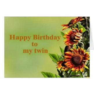 Feliz cumpleaños a mi gemelo, con los girasoles tarjeta de felicitación