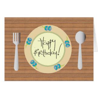 Feliz cumpleaños chistoso en una placa tarjeta de felicitación