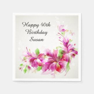 Feliz cumpleaños con las flores hermosas servilleta de papel