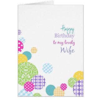 Feliz cumpleaños de los puntos coloridos a mi tarjeta de felicitación