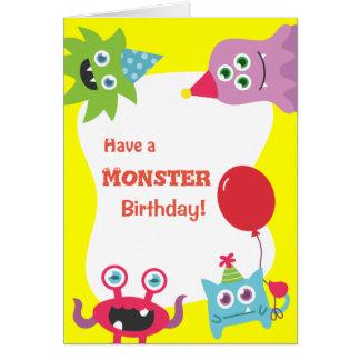 Feliz cumpleaños del pequeño monstruo colorido tarjeta