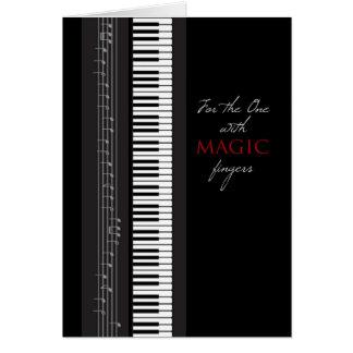 Feliz cumpleaños del piano mágico de los dedos tarjeta