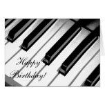 ¡Feliz cumpleaños! Tarjeta de la música del piano