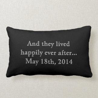 Feliz nunca después de recuerdo que se casa almohada