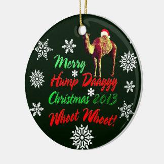 Feliz ornamento 2013 de Whoot Whoot del navidad Adorno Redondo De Cerámica