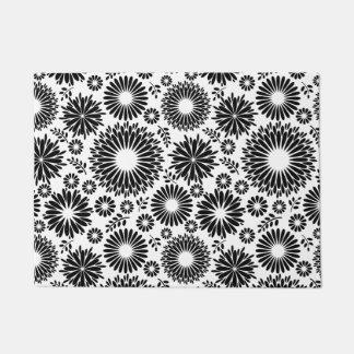 Felpudo Boho florece el estampado de flores blanco y negro