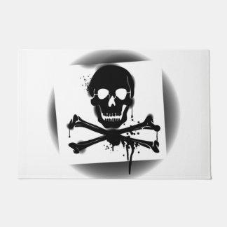 Felpudo Cráneo y bandera pirata Rogelio alegre de bandera