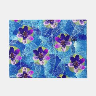Felpudo Estampado de flores artístico púrpura y azul
