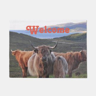 Felpudo Foto melenuda del paisaje de la novilla de la vaca