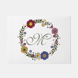 Felpudo Guirnalda floral simple y inicial con monograma #2