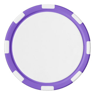 Fichas de póker con el borde rayado púrpura