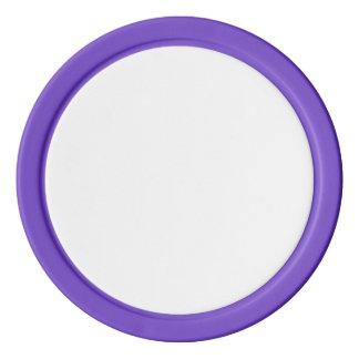 Fichas de póker con el borde sólido púrpura