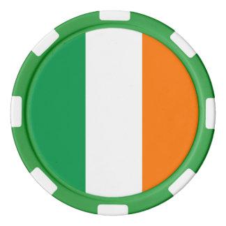 Fichas de póker con la bandera de Irlanda