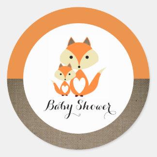 Fiesta de bienvenida al bebé anaranjada de la pegatina redonda
