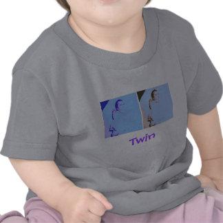 Fiesta de bienvenida al bebé de los gemelos camiseta