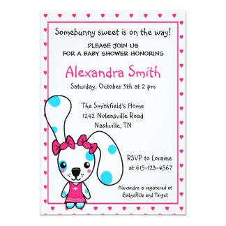 Fiesta de bienvenida al bebé linda del conejo de invitación personalizada