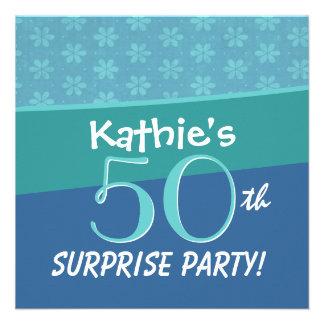 Fiesta de cumpleaños azul de la sorpresa de las fl invitacion personalizada
