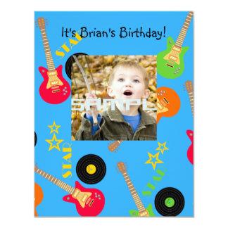 Fiesta de cumpleaños del muchacho de la estrella invitación 10,8 x 13,9 cm