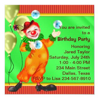 Fiesta de cumpleaños del payaso de circo que hace invitación 13,3 cm x 13,3cm