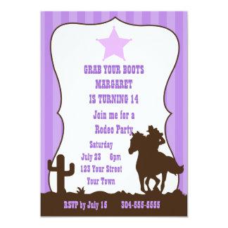 Fiesta de cumpleaños del rodeo de la vaquera invitación personalizada