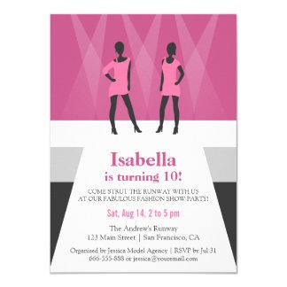 Fiesta de cumpleaños moderna del desfile de moda invitación 11,4 x 15,8 cm