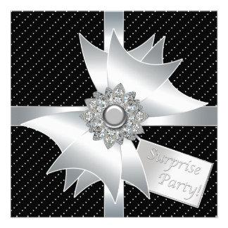 Fiesta de cumpleaños negra elegante de la sorpresa comunicados personalizados